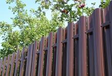 Забор из евроштакетника Barrera Grande