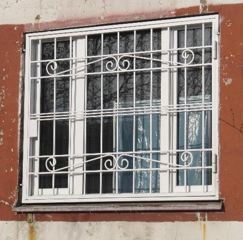 решетки на окна в Москве